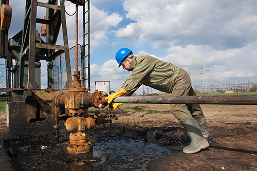 oil-field-accident-types-de-lachica-law-firm