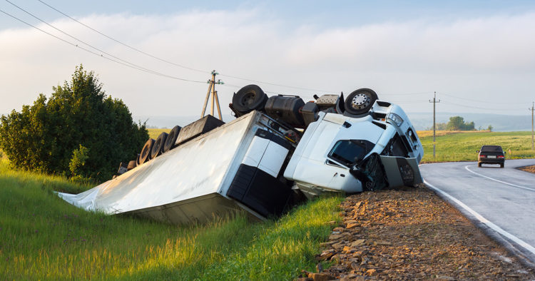 truck-accident-prevention-de-lachica-law-firm
